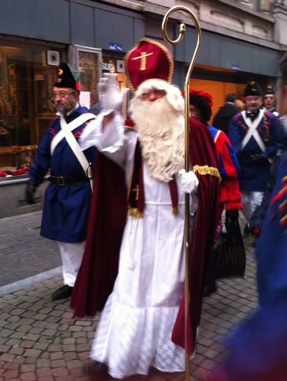 Saint Nicholas arrives