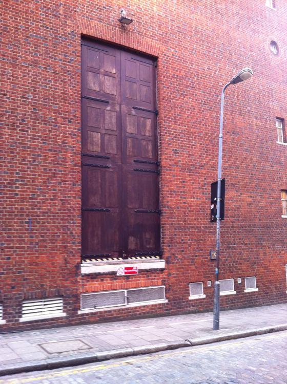 floating door