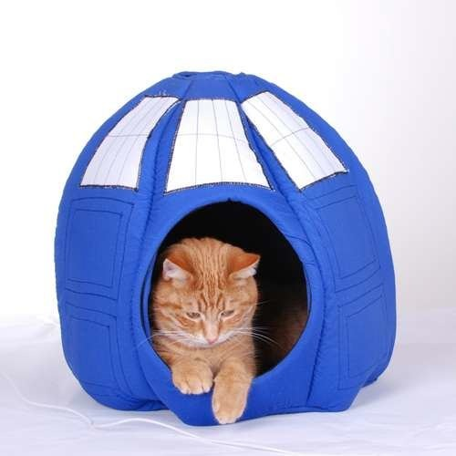 TARDIS cat ball by Jennifer Schmidt