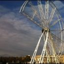 Paris photo of the day: Ferris wheel, under construction