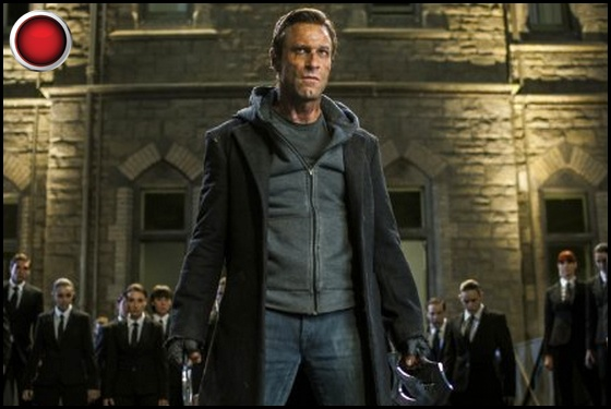 I Frankenstein red light Aaron Eckhart