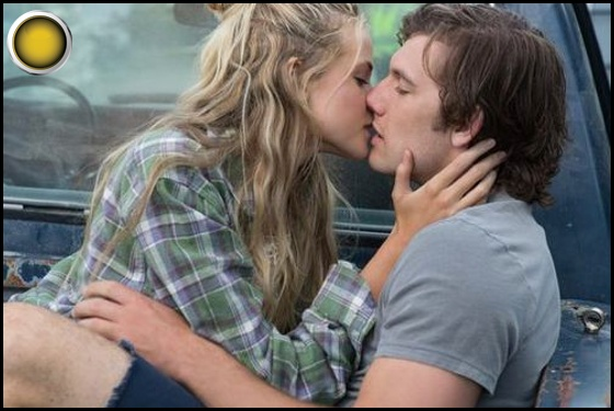 Endless Love yellow light Gabriella Wilde Alex Pettyfer