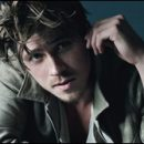 female gazing at: Garrett Hedlund