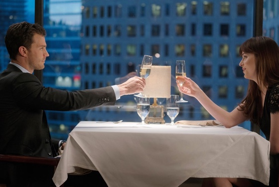 Christian Grey is rude to waiters: another reason anyone should RUN from him.