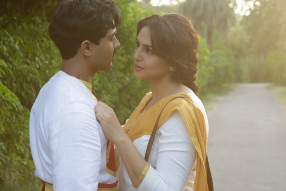 Romeo and Juliet in just-pre-partition India: He's Hindu, she's Muslim.