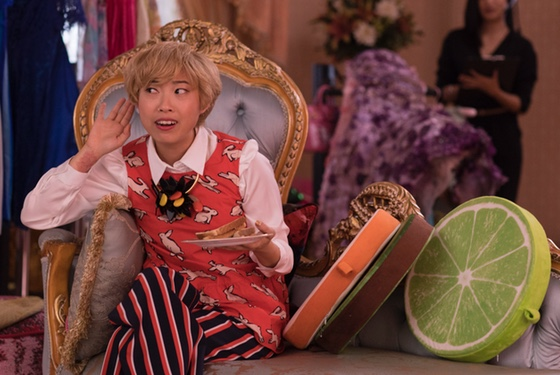 I want Peik as my wingwoman. And I also want those slice-o'-citrus throw pillows.