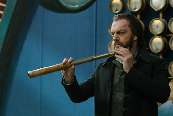 Mortal Engines Hugo Weaving